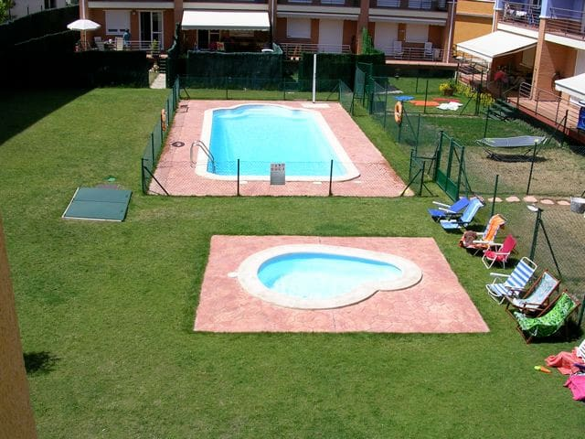 APARTAMENTO URBANIZACION PISCINA. muy familiar. - Alesanco - Appartement