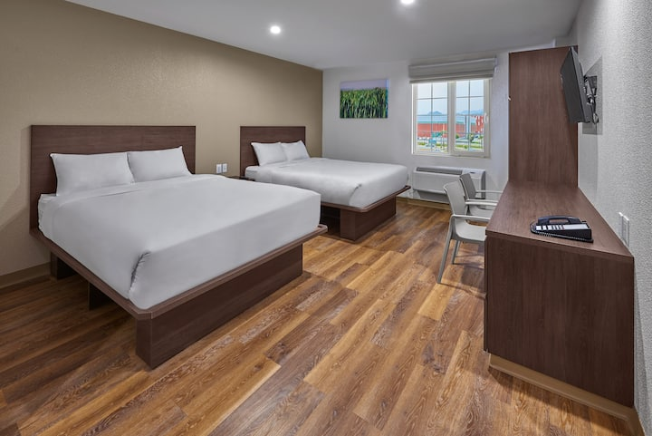 Extended Suites Tijuana Macroplaza, 2 Queen Bed