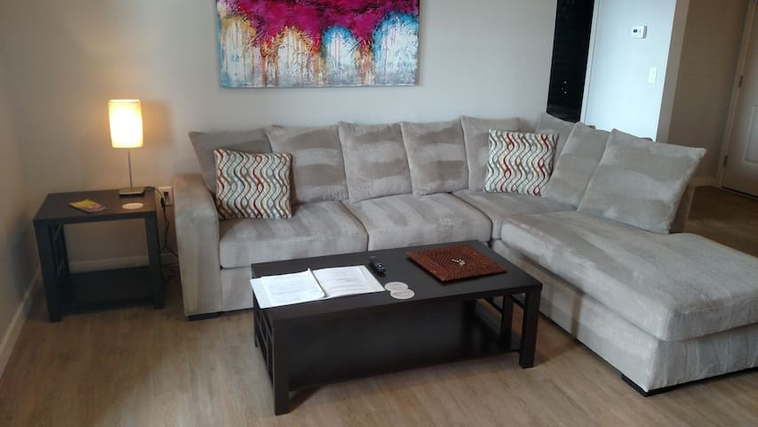 Stay with us for BSU Graduation - Minutes to BSU - Boise - Apartment