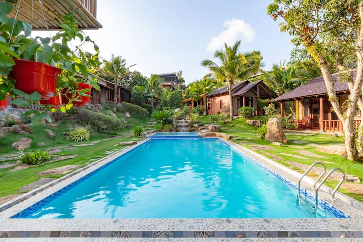 Private bungalow - Big Garden with Pool - Mely Wow