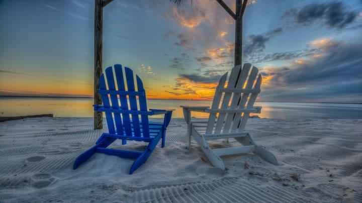 Tampa Bay Getaway - One Bedroom Studio Suite