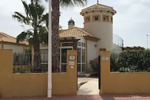 Detached villa completely air conditioning through all main rooms. Spainish club bar and restaurant across the road.