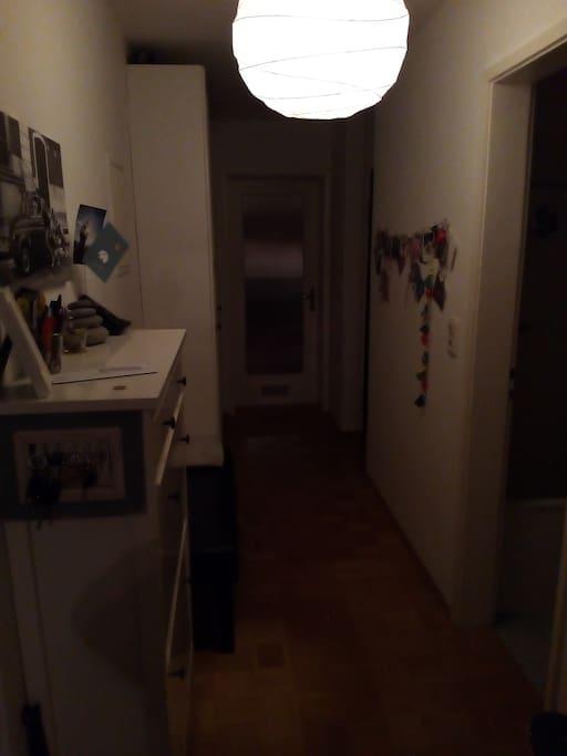 Das Flur/ the corridor/ il corridoio