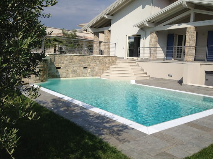 Modern Villa Santa Maria with Mountain View, Wi-Fi, Garden, Terrace & Pool; Parking Available