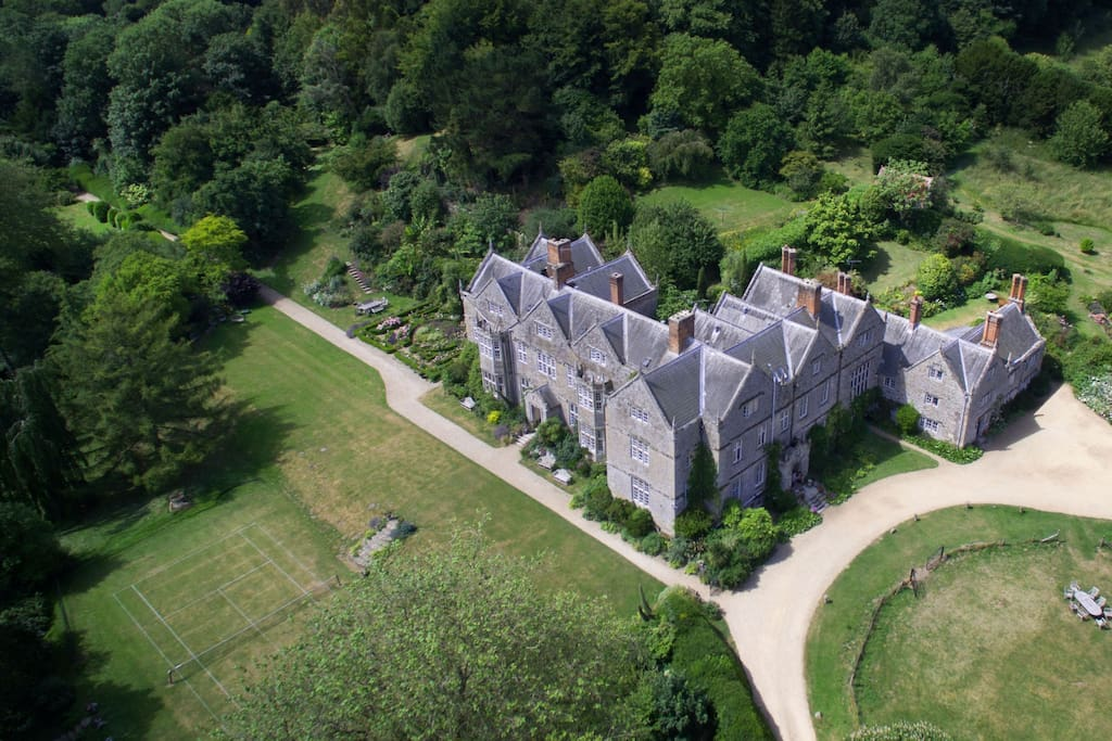 Northcourt manor from the air