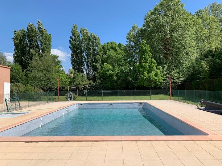 Maison appartement dans résidence avec piscine