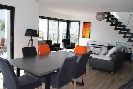 Grande maison moderne 4 chambres - Locmiquélic - 一軒家
