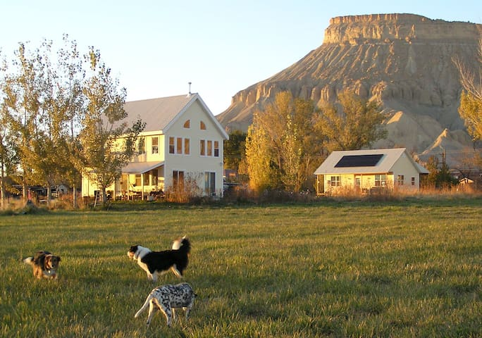 Van Sickle Farm Guest House in Palisade