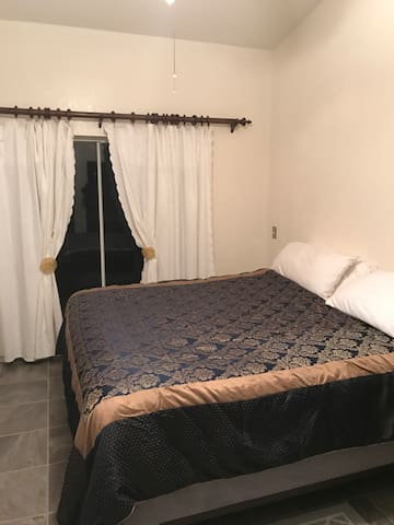 Adorable room in a Golf community