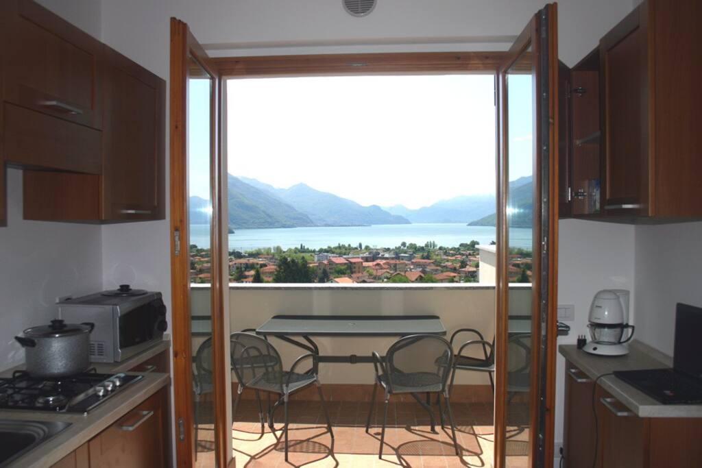 vista del lago dal terrazzo