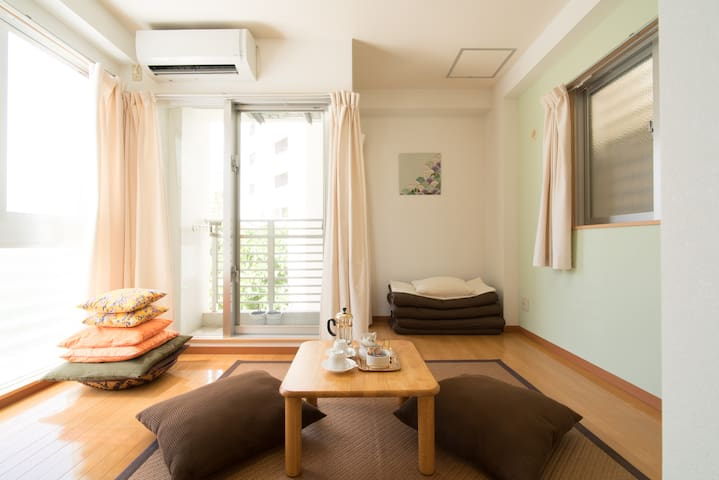 Kokusai Dori: a quiet studio 30 seconds away 2 - Naha-shi - Appartement