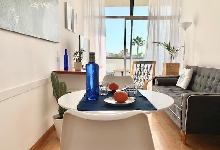 Céntrico apartamento, luminoso y bien comunicado.