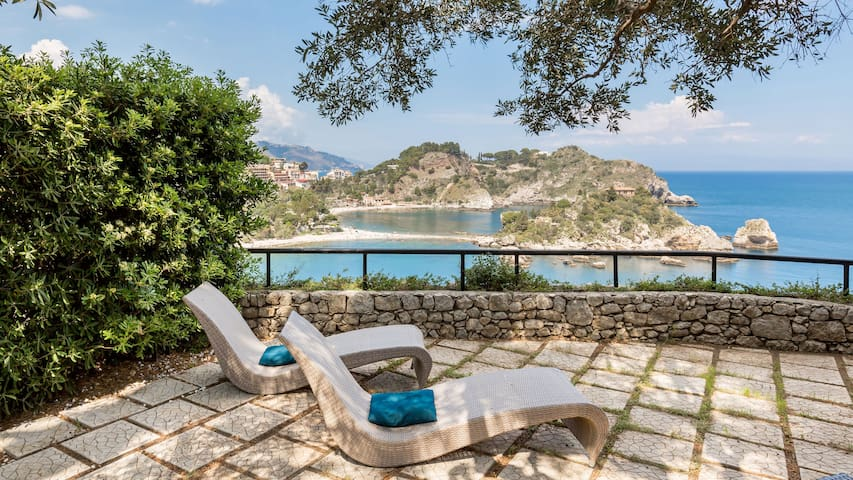 TAORMINA BEACH APARTMENT BAIA ISOLABELLA