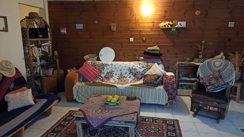 סלון , ספה ומיטה נפתחת