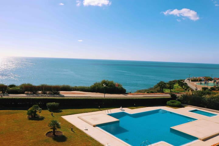 SEA VIEW w/ POOL, Terrace & Parking