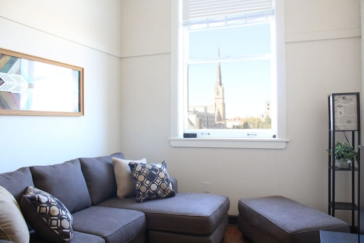 Best Downtown Location - Live on King St. in Style - Charleston - Apartemen