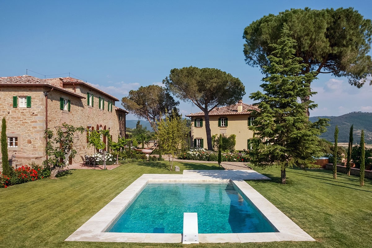 Italy Luxury Villas & Vacation Rentals   Airbnb Luxe   Luxury Retreats