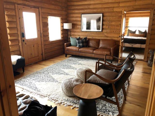 Island Park Paradise at Box Canyon Log Cabin