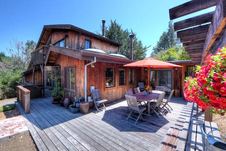 Stunning reclaimed wood home Bdrm#2 - Point Reyes Station - Rumah