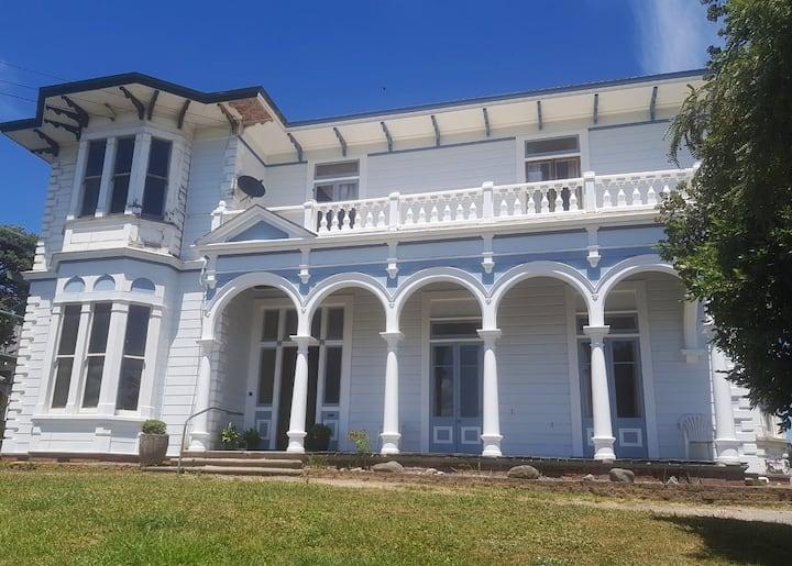 George's Room- Sarjeant House