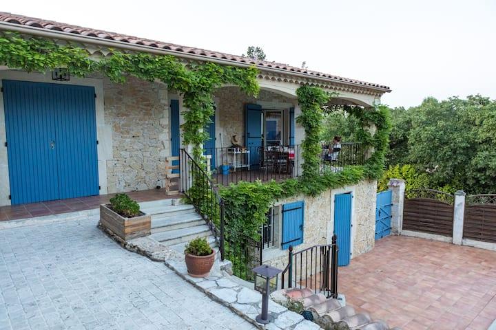 Chambre de charme en Drôme Provençale