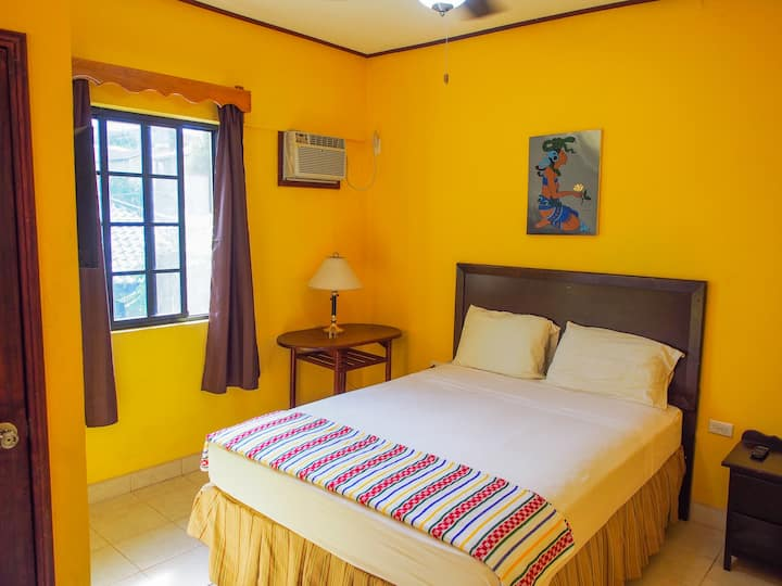 Tia Maria Guesthouse - Room 9