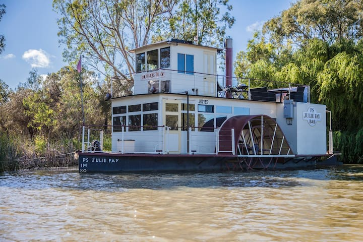 "Paddlewheeler ""Julie Fay"" B&B"