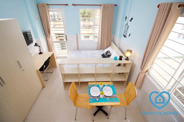 Cute apartment with balcony in perfect location - Ho Chi Minh City - Lägenhet