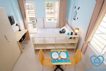 Cute apartment with balcony in perfect location - Ho Chi Minh City - Lakás