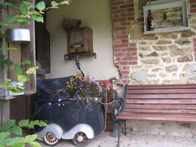 """L'Ecurie Chambre de charme """"hirondelle"""" - La Pommeraye - Casa de hóspedes"""