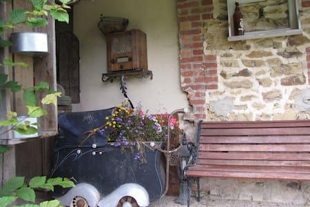 """L'Ecurie Chambre de charme """"hirondelle"""" - La Pommeraye"""