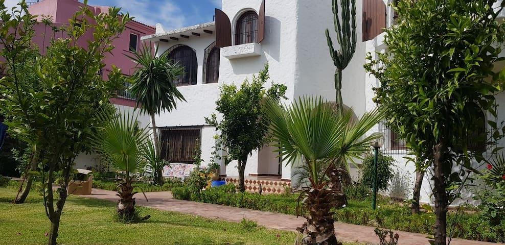 Villa sur route de Cabo Negro, martil 4 Ch, jardin