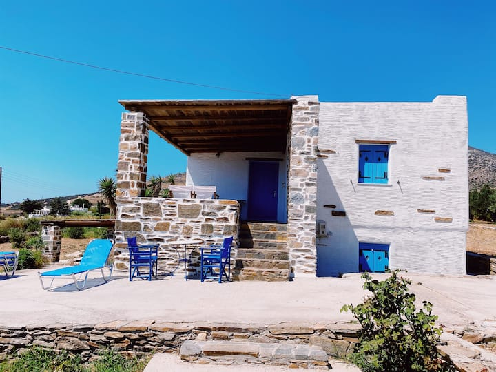 Picturesque Sea View Villa 5 minutes to the Beach
