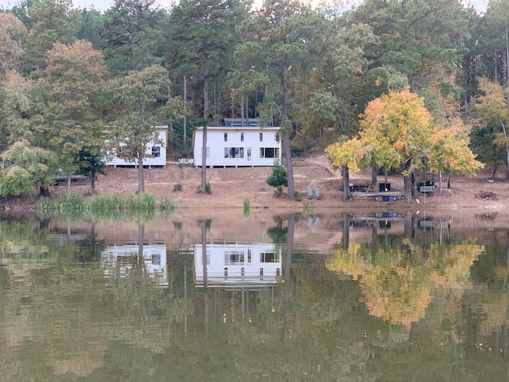 Secluded Cabin Getaway on Houston County Lake