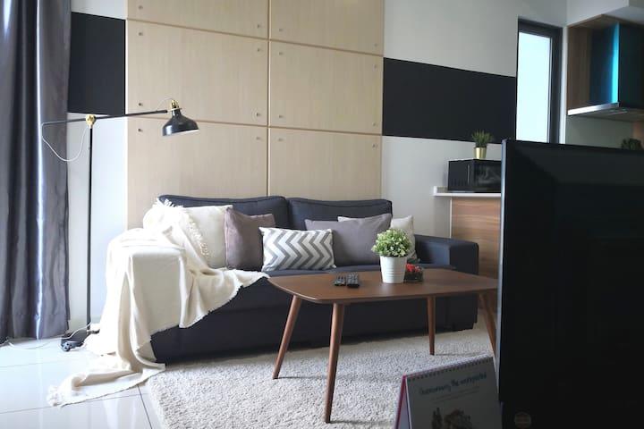 Sunway Cozy Home 5mins to Pyramid w WIFI & SAUNA