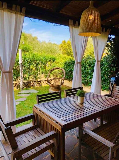 Splendido open space con giardino.