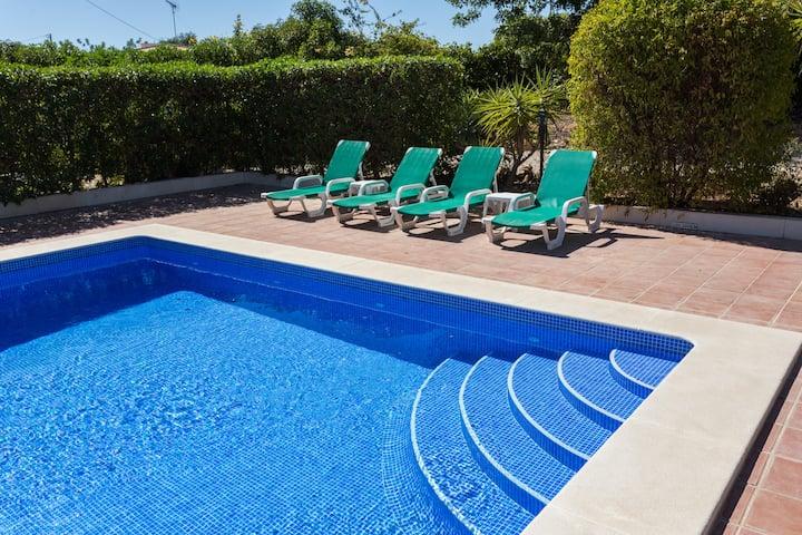 Villa near Moncarapacho, large pool