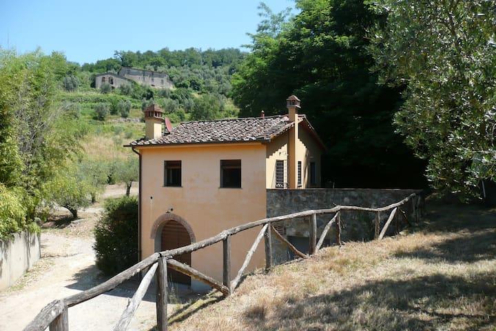 casale campo antico -1 camera-1 bagno - serravalle pistoiese - Huis