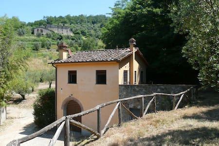 casale campo antico -1 camera-1 bagno - serravalle pistoiese - House
