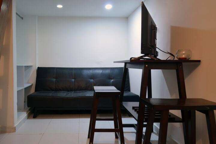 R6A1-Habitacion priv,baño,cocina,aire, internet
