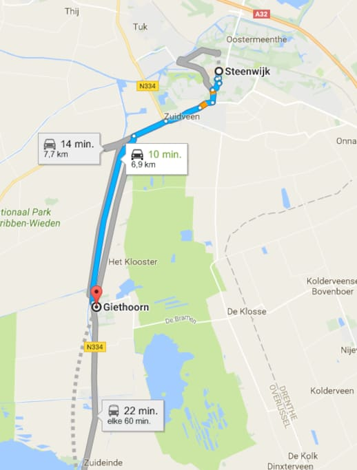 Giethoorn can be reached by bus every hour (22 minutes)