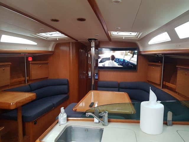 Chill Boat - Balatonkenese - Barco