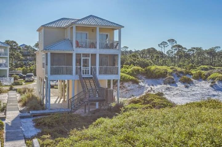 Gulf Front, Close To The State Park, Lots Of Space ~ A Beach Sandpiper