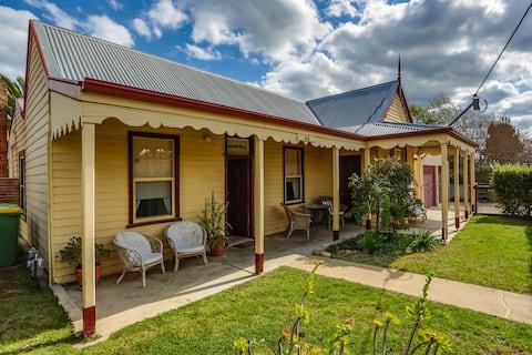 Reid Street Cottage
