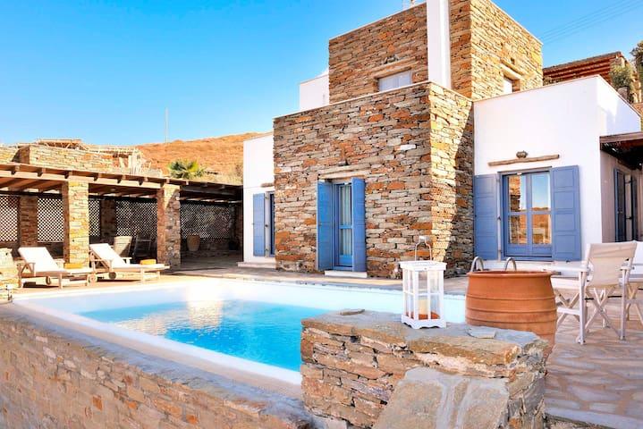 Kea's villa