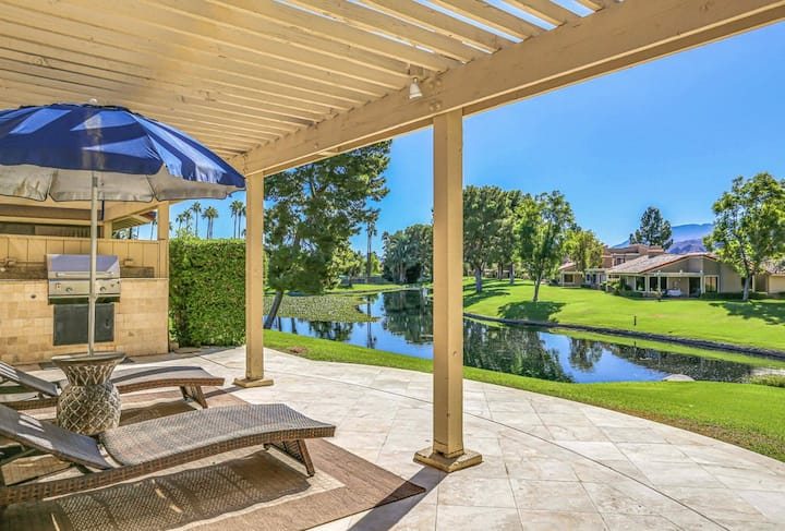 Dog-friendly condo w/ mountain view, gas grill & shared pools/hot tubs/tennis!