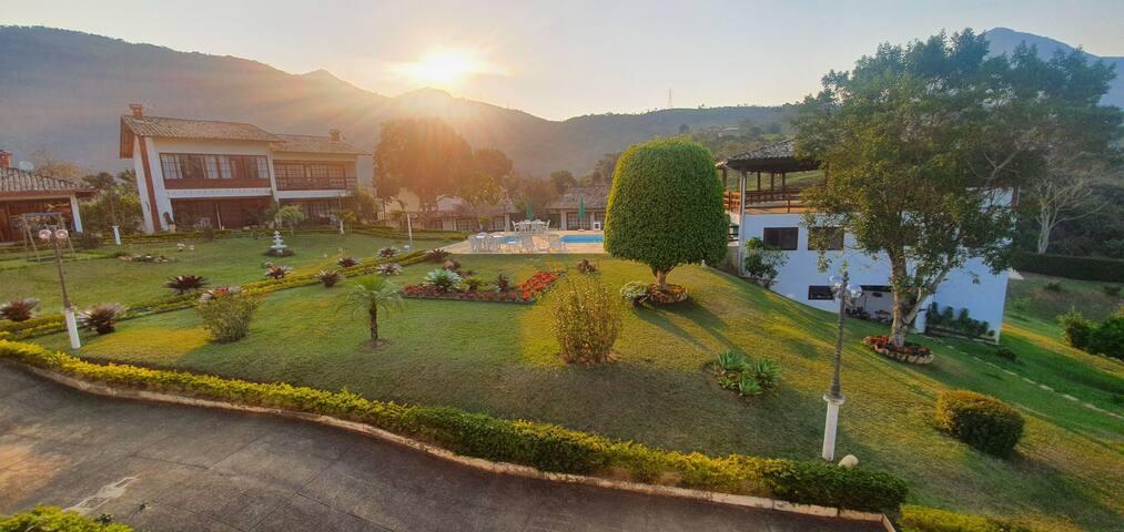 Casa sensacional  no topo das montanhas serranas