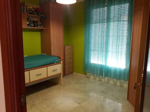 2 pers/noche,habitación amplia en  Bahia de Cádiz
