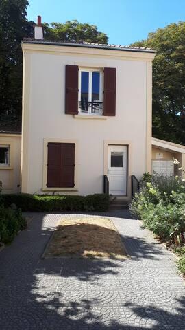 T2 maison-alfort, à 8 min de Paris