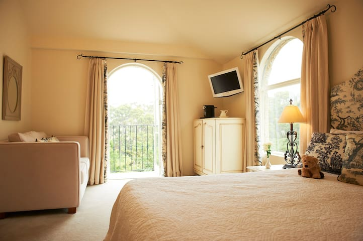A luxurious stay at Villa Howden